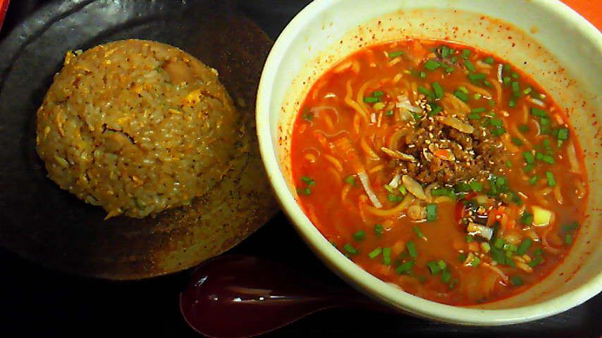 辛味噌麺+半チャーハン