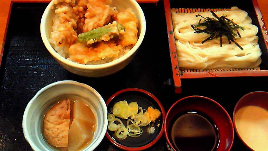 鳥の天ぷら丼と稲庭うどん(冷)