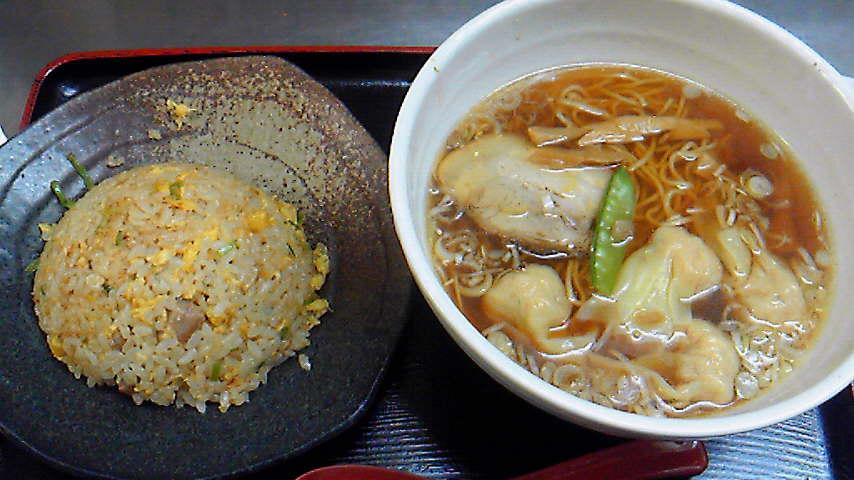 半チャーハン+<br />  ワンタン麺